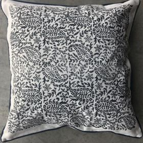 CUSHION COVER WITH FLOWER DESIGN